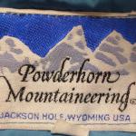 パウダーホーンのタグで見る年代の見分け方【POWDER HORN MOUNTAINEERING】